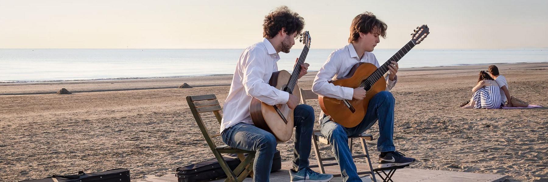 Tagesanbruch-Konzerte am Strand in Pinarella