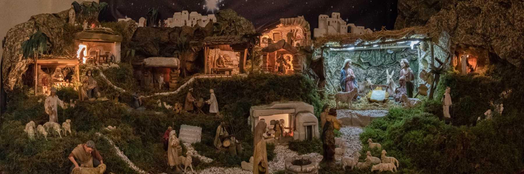 Animierte Weihnachtskrippe in der Kathedrale von Cervia