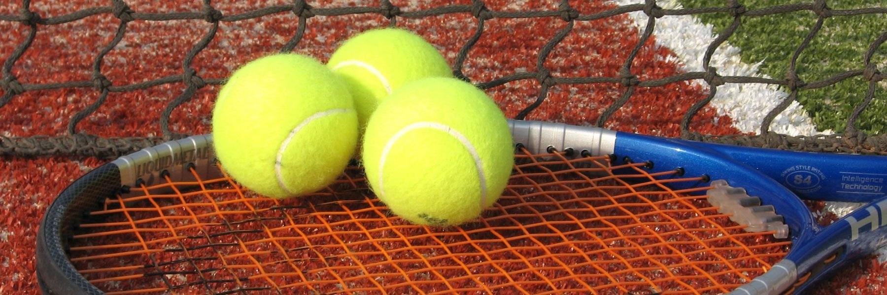 Tennis beim Hotel Baya