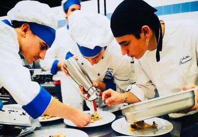 Studenti in cucina