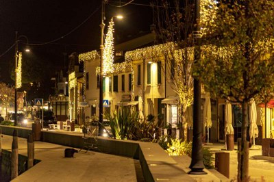 Christmas lights in Borgo Marina - Ph. Dany Fontana