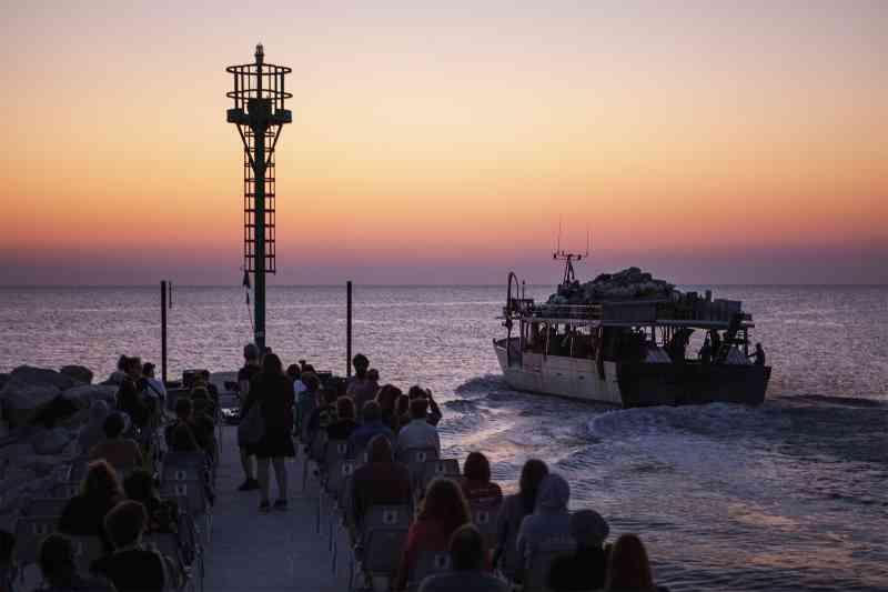 concerto all'alba sul molo di Cervia - Ph. Chiara Pavolucci