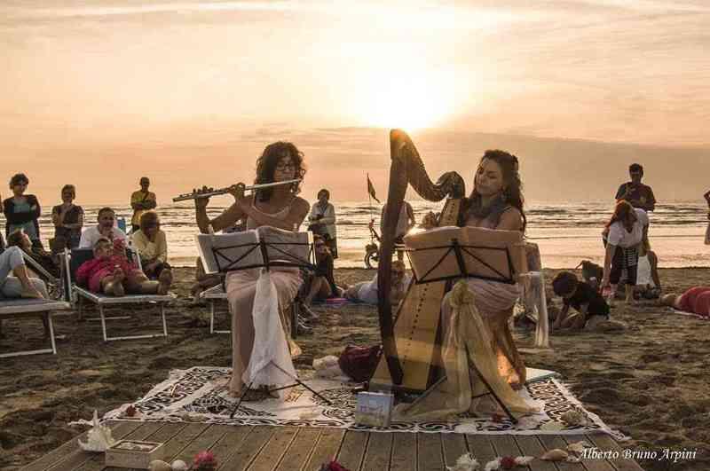Albe musicali sulla spiaggia di Pinarella  - Ph. Alberto Bruno Arpini