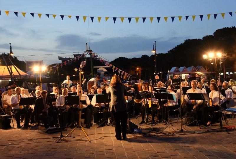 Banda Città di Cervia, concerto zona Magazzini del Sale
