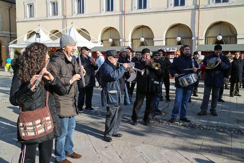 Auguri di inizio anno, banda in Piazza Garibaldi