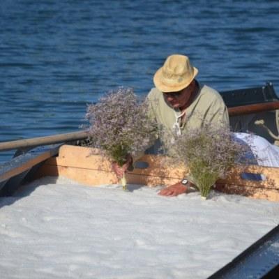 Cervia, Salt Festival, the burchiella with sweet salt - Ph. Gabriele Bernabini