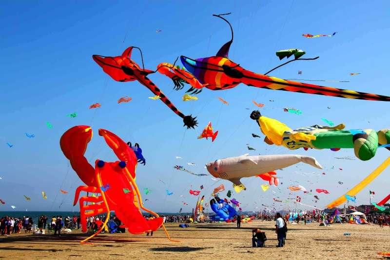 ARTEVENTO - Festival Internazionale dell'Aquilone, aquiloni in spiaggia