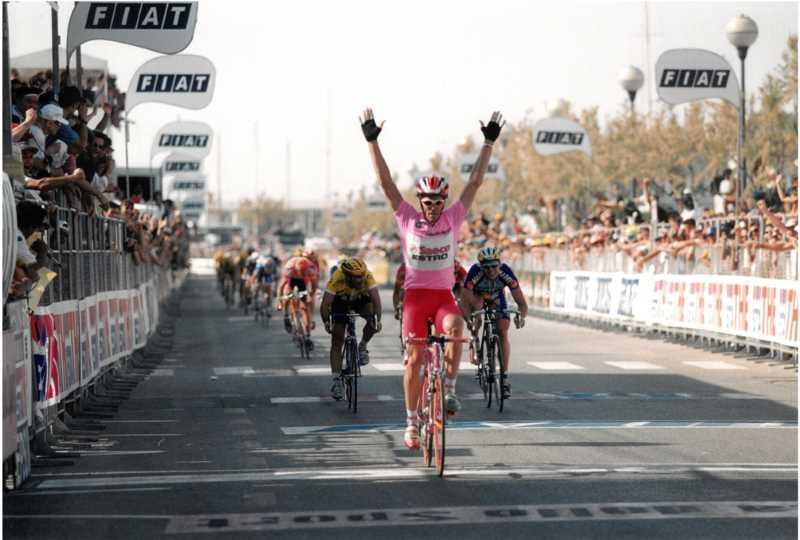 Giro d'Italia, arrivo di Cipollini a Cervia nel 1997