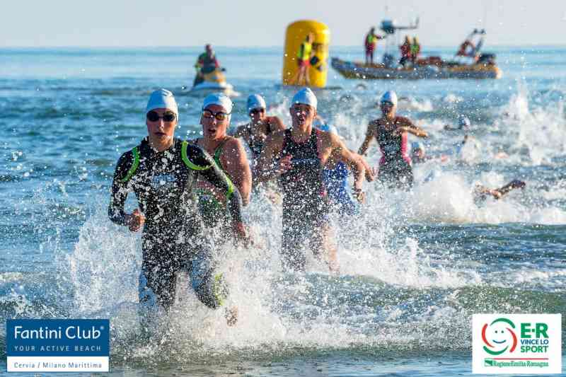 Cervia - Triathlon, corsa in acqua