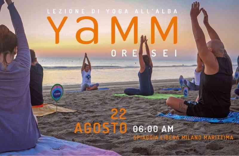 YAMM Enteos, yoga sulla spiaggia