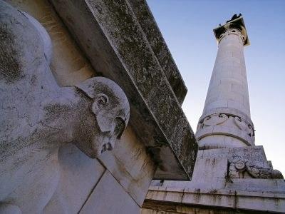 Le splendide terre del Triathlon, monumento ai caduti - Ph. Archivio APT