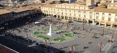 Le splendide terre del Triathlon, piazza Saffi - Ph. Archivio APT