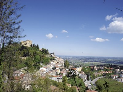 Le splendide terre del Triathlon, vista di Bertinoro sulla Romagna - Ph. Archivio APT