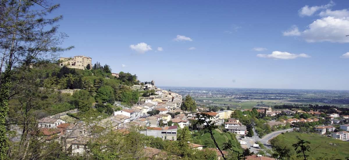 Vista di Bertinoro sulla Romagna - Ph. Archivio APT