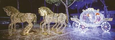 Sculture di luci - Cavalli e Carrozza - Ph. Marco Anconelli Artimmagine
