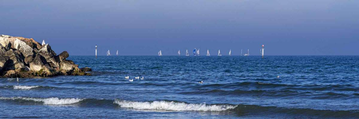 Mare e barche a vela - Ph. Dany Fontana