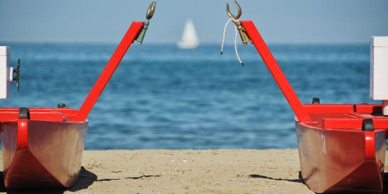 Spiaggia sicura, mosconi sulla spiaggia