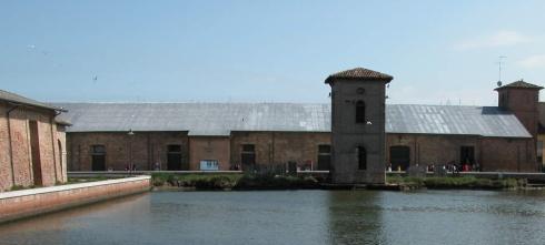 L'entrepôt extérieur du sel de la Tour