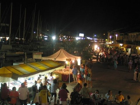 Borgo Marina by night