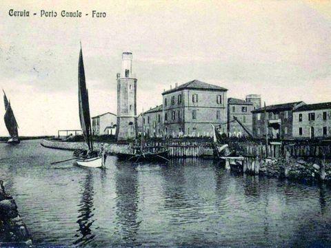 Cartolina storica del faro