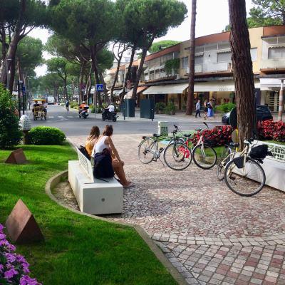 Slow bike nel centro di Milano Marittima