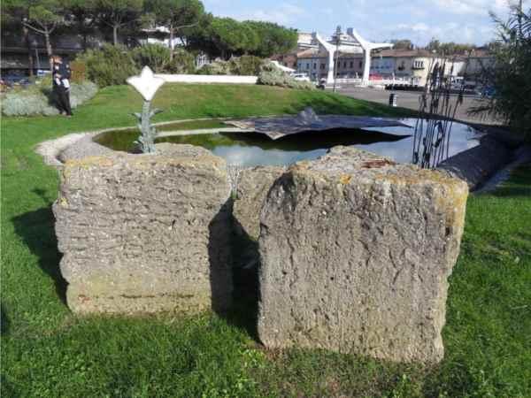 Spartiacque storico, piazzale dei Salinari
