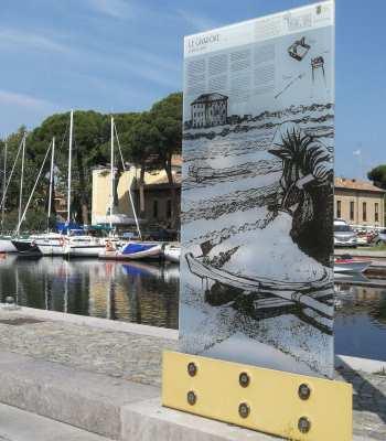 Il pannello in viale Nazario Sauro, di fronte a MuSa - Ph. Arianna Bertozzi