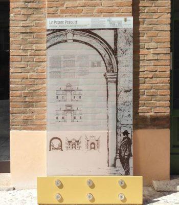Il pannello in corso Giuseppe Mazzini - Ph. Gruppo Lithos Architettura