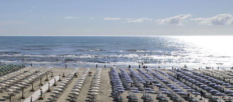 La spiaggia vista dall'alto - Ph. Gianni Castellani