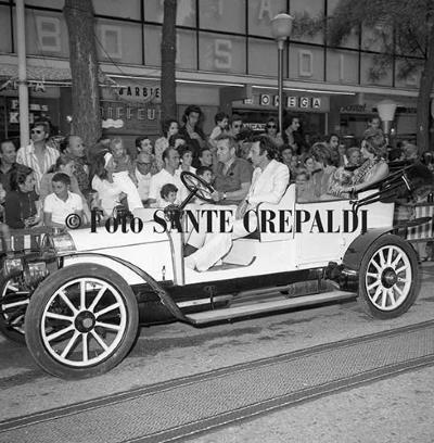 Primo piano di auto d'epoca - Ph. Sante Crepaldi