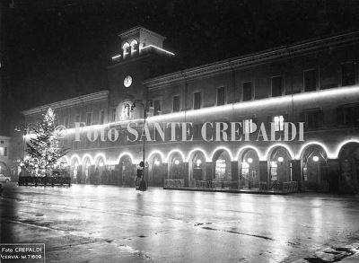 Decorazioni natalizie in Piazza Garibaldi - Ph. Sante Crepaldi