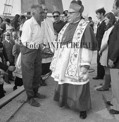 Incontro tra il vescovo e il pescatore - Ph. Sante Crepaldi