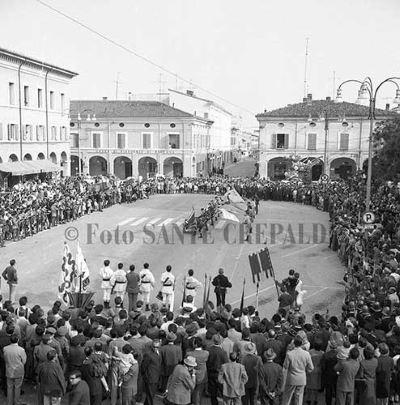 Il lancio delle bandiere - Ph. Sante Crepaldi