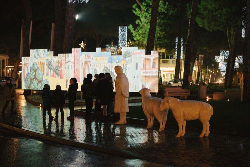 Presepe artistico, pastore e proiezione