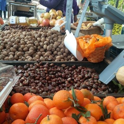A Spass par Zirvia, banco frutta
