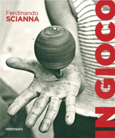 Catalogo mostra In gioco di Ferdinando Scianna