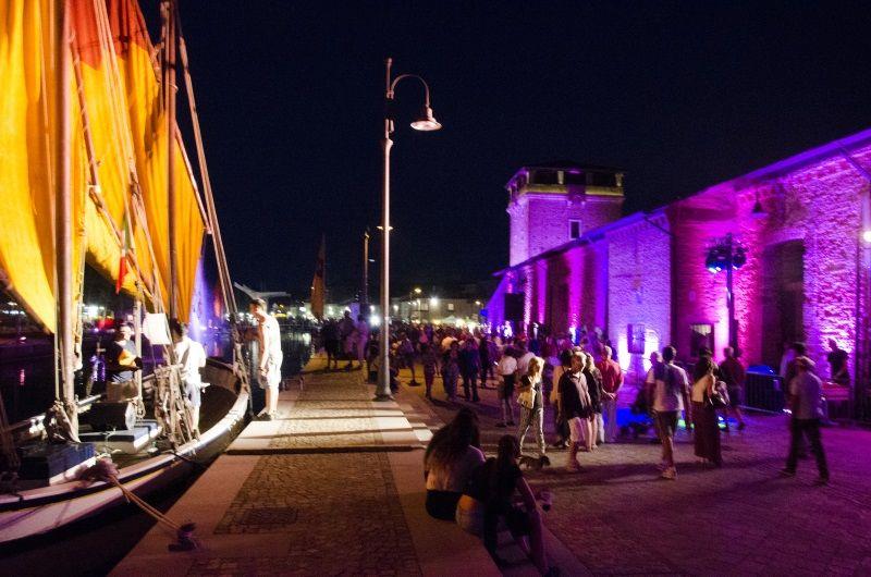Notte rosa - porto canale - foto Piero - 800-opt80