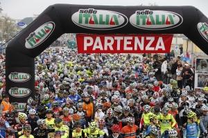 Sportur-Granfondo Selle Italia-partenza 300