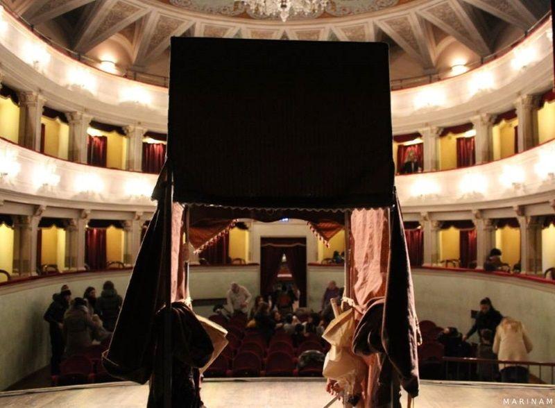 Teatro dei burattini - Compagnia Vladimiro Strinati, baracca e teatro