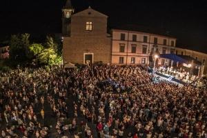La notte del liscio, piazza Garibaldi