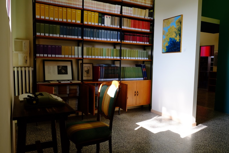 Poeti a Cervia - Biblioteca - I libri di Tolmino - 800 - foto Lorenzo Lelli