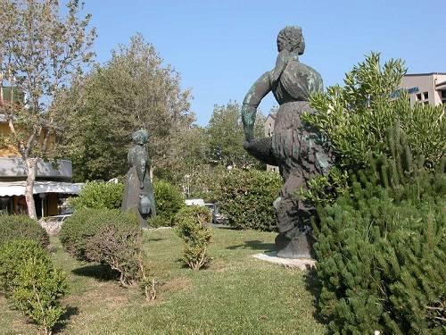 Monumento a Grazia Deledda 500_OPT
