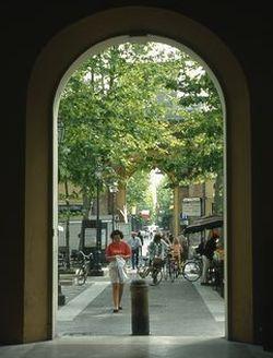 Piazza Pisacane - arco