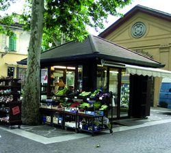 Piazza Pisacane - chioschi