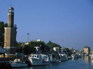 Faro e Porto Canale