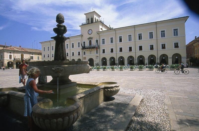 Favolando in centro storico - Piazza Garibaldi - 800-opt80