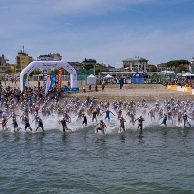 A Cervia, Alice Betto e Michele Sarzilla si laureano campioni italiani di triathlon sprint