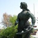 Monumento a Grazia Deledda